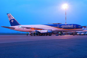 Gadair_European_Airlines_Boeing_757-236_._EC-JRT_(3104416913)