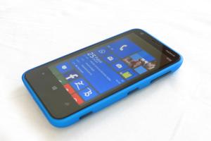 Lumia_620_by_mikosoft